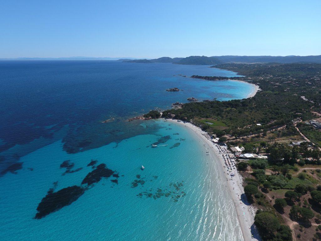 La plage de Palombaggia et en arrière plan, celle de Tamaricciu. Crédit Photo : Francois-Olivier Piazza