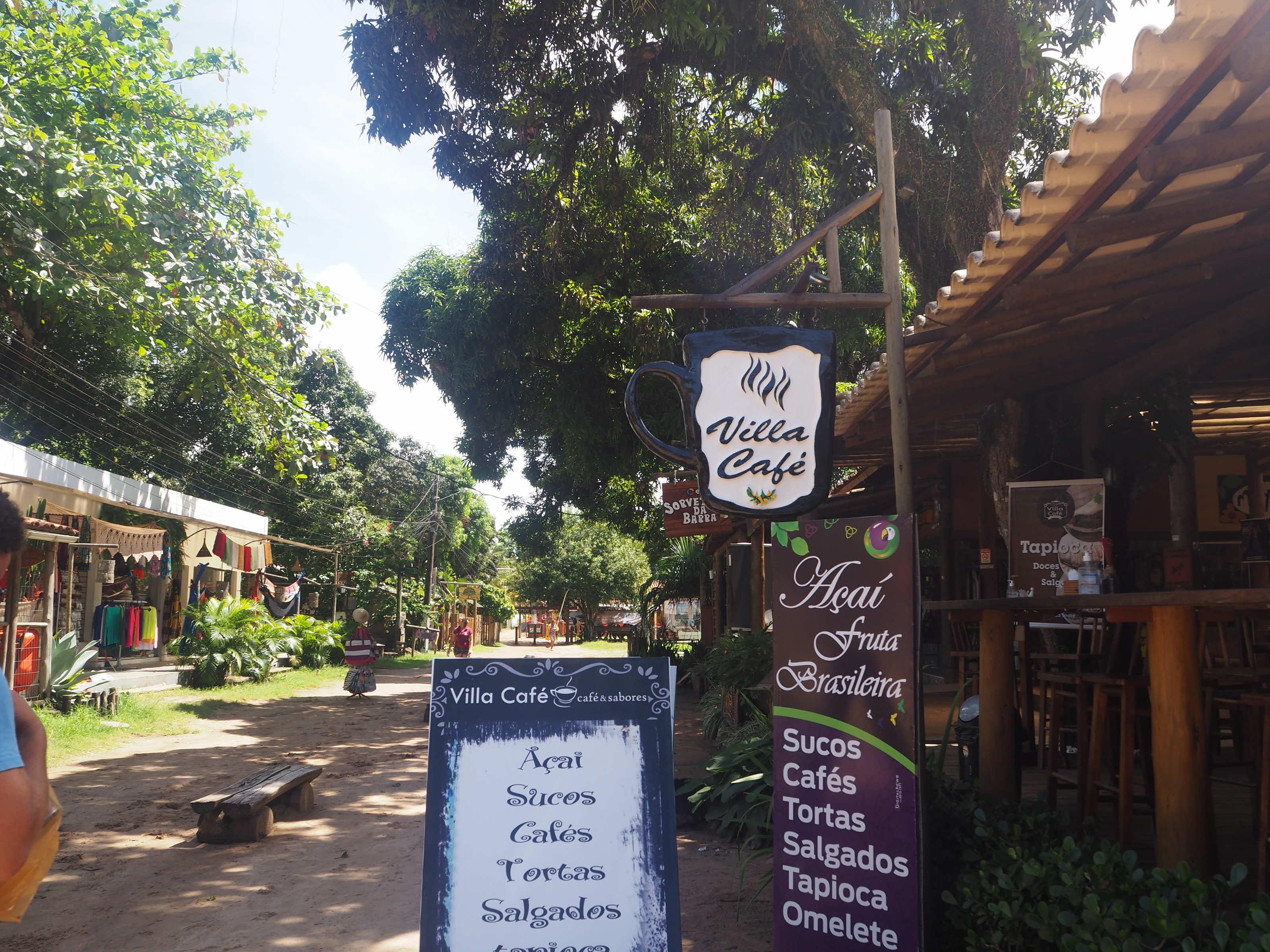 """Le café """"Villa Café"""" dans le centre de Barra Grande pour déguster un jus de fruit frais avec les fruits spécifiques de Bahia"""