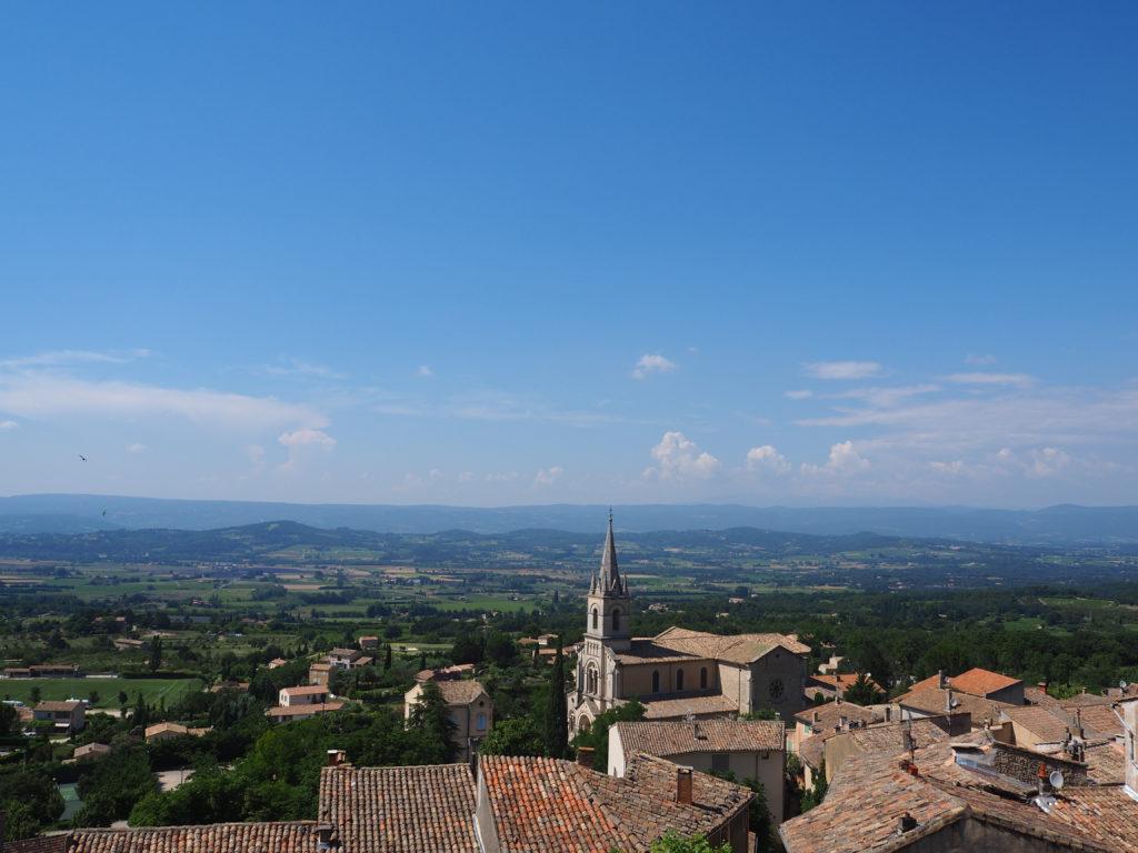 Village de Bonnieux dans le Luberon, Vaucluse. PACA. Vue d'ensemble