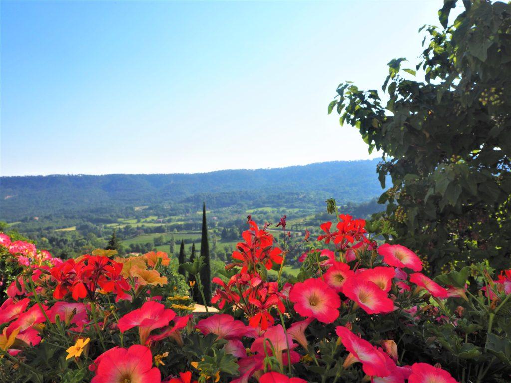 Vue depuis Moustiers-Sainte-Marie. Parc Naturel Régional du Verdon Alpes de Haute-Provence