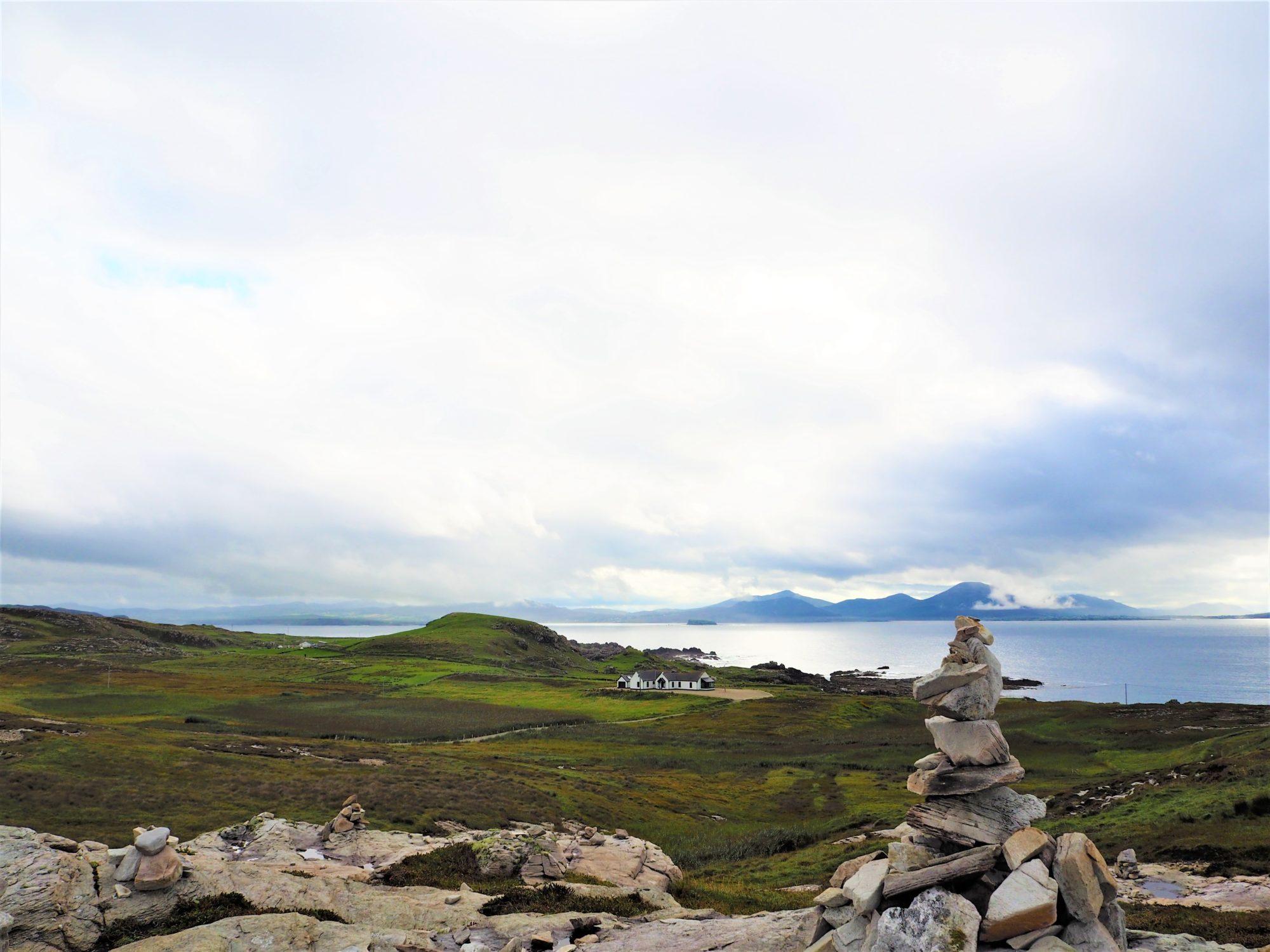 Malin Head Donegal Irlande et un cairn