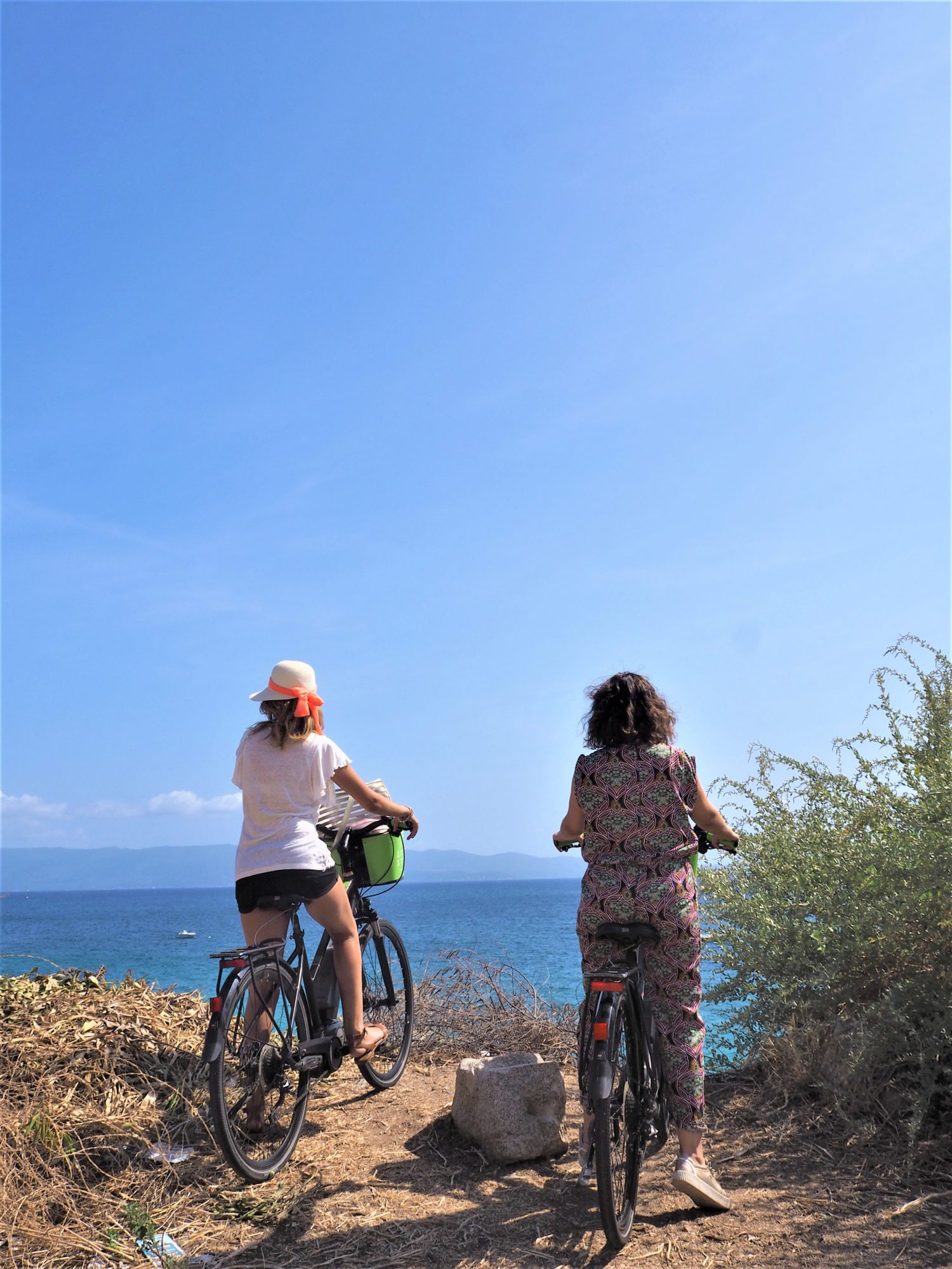 Corse, Ajaccio; On admire la mer avec nos vélos AppeBike