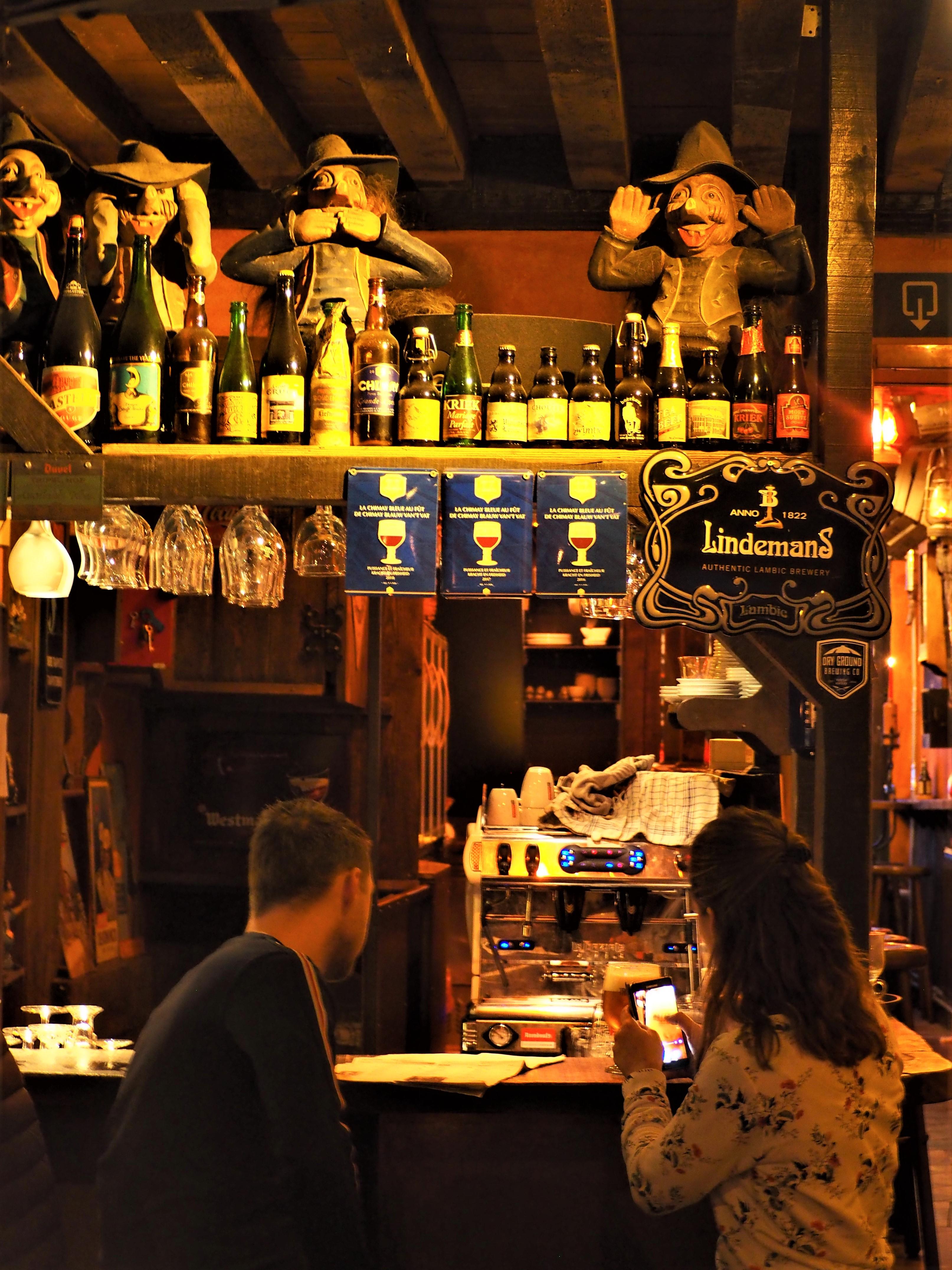 Bar gand belgique pub trollekelder eglise saint jacques atypique clioandco blog voyage décoration