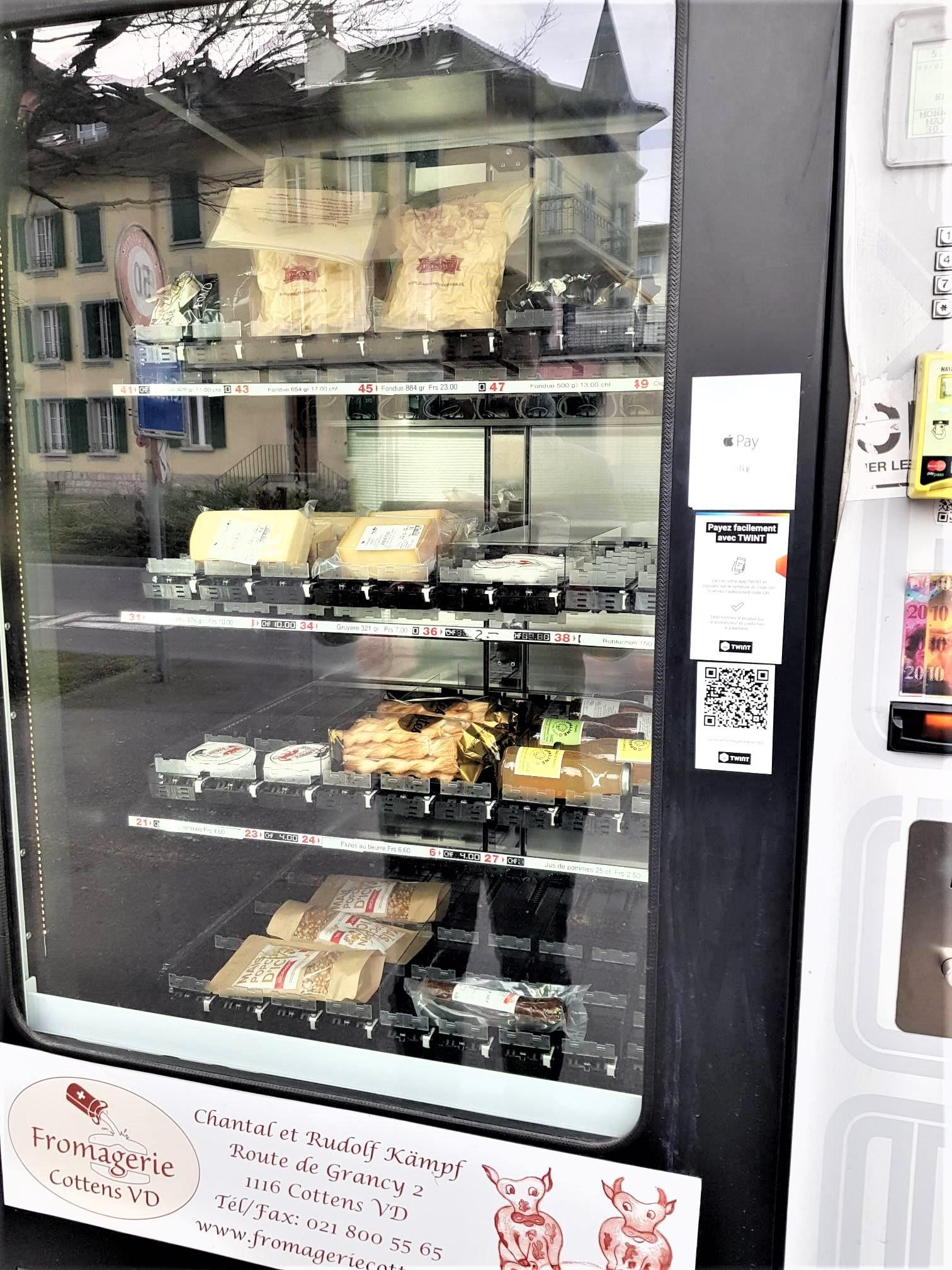 distributeur-à-fondut-suisse-lausanne-clioandco-blog-voyage-les-différences-france-suisse