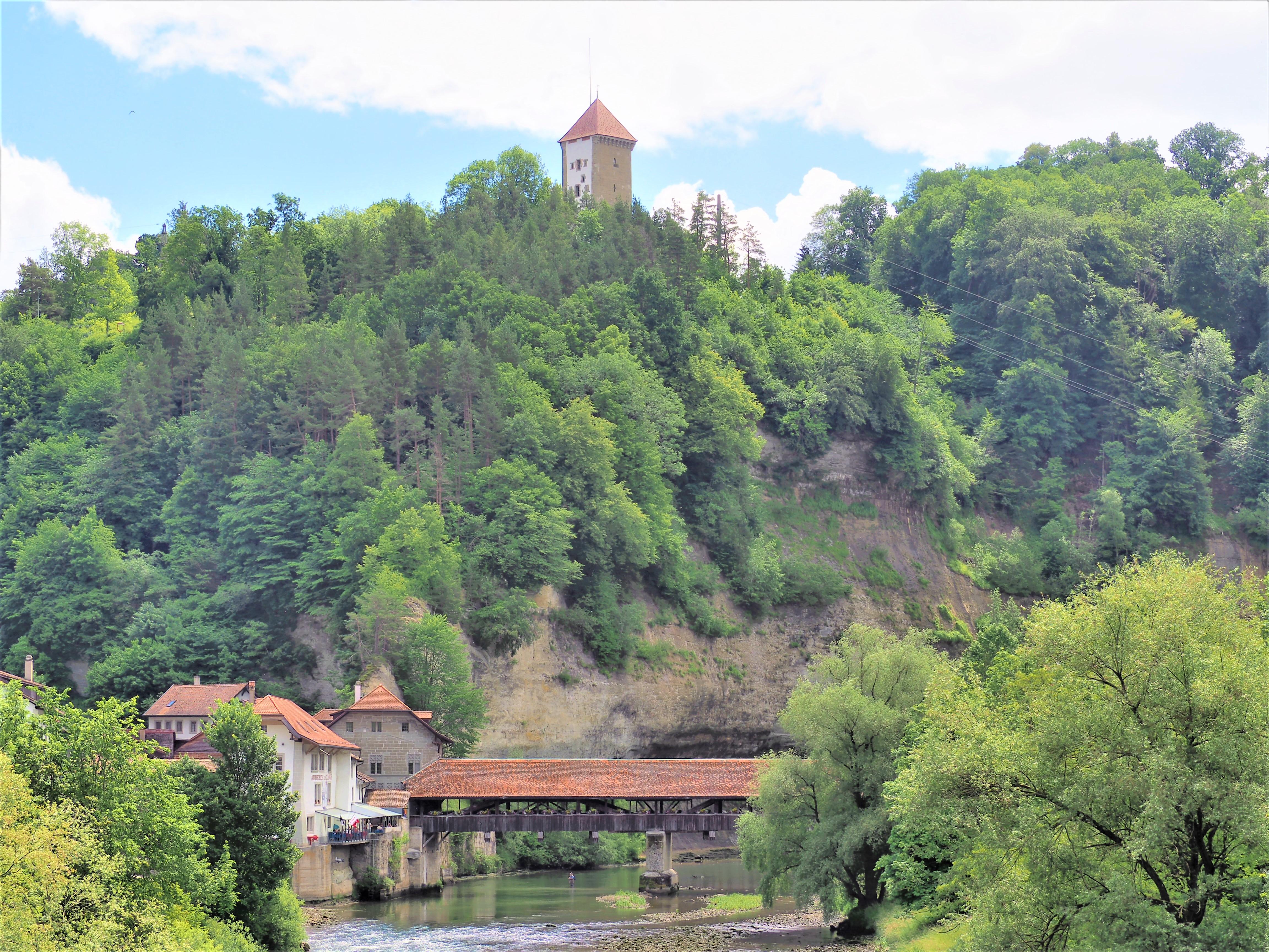Fribourg Pont de Berne et porte
