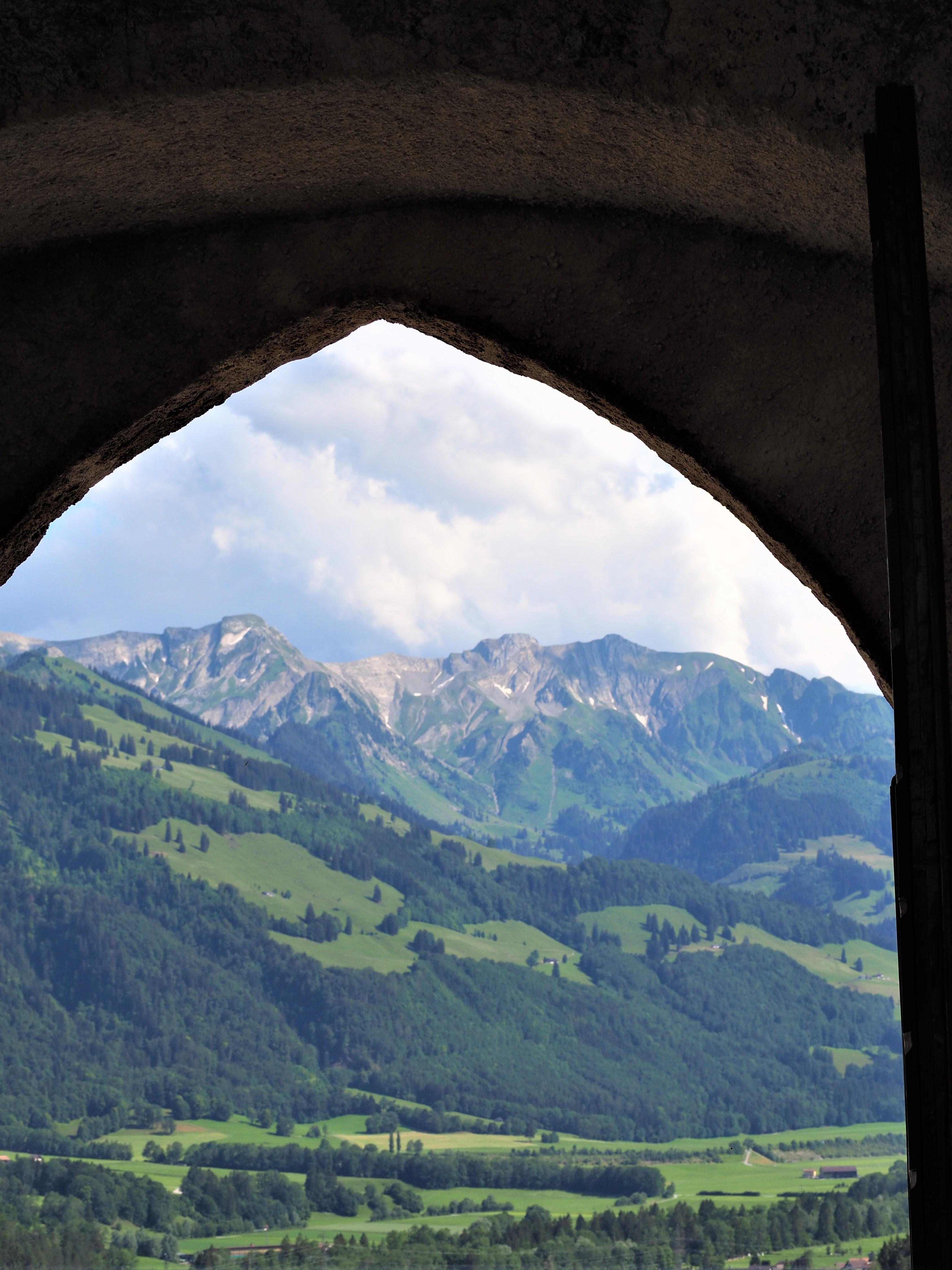 Visiter-Gruyères-canton-de-Fribourg-Suisse-Château-clioandco