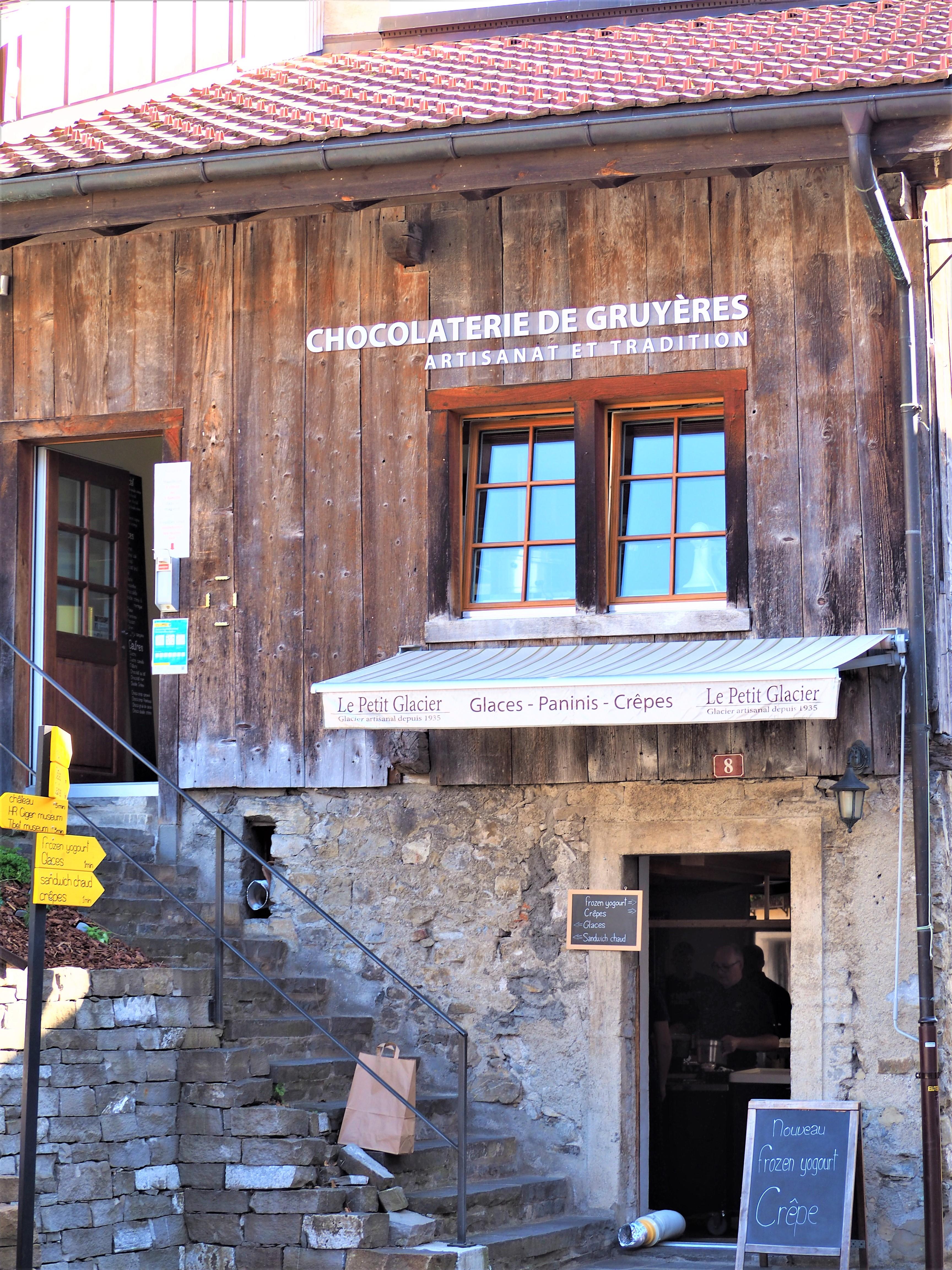 Visiter-Gruyères-canton-de-Fribourg-Suisse-chocolaterie-de-Gruyères