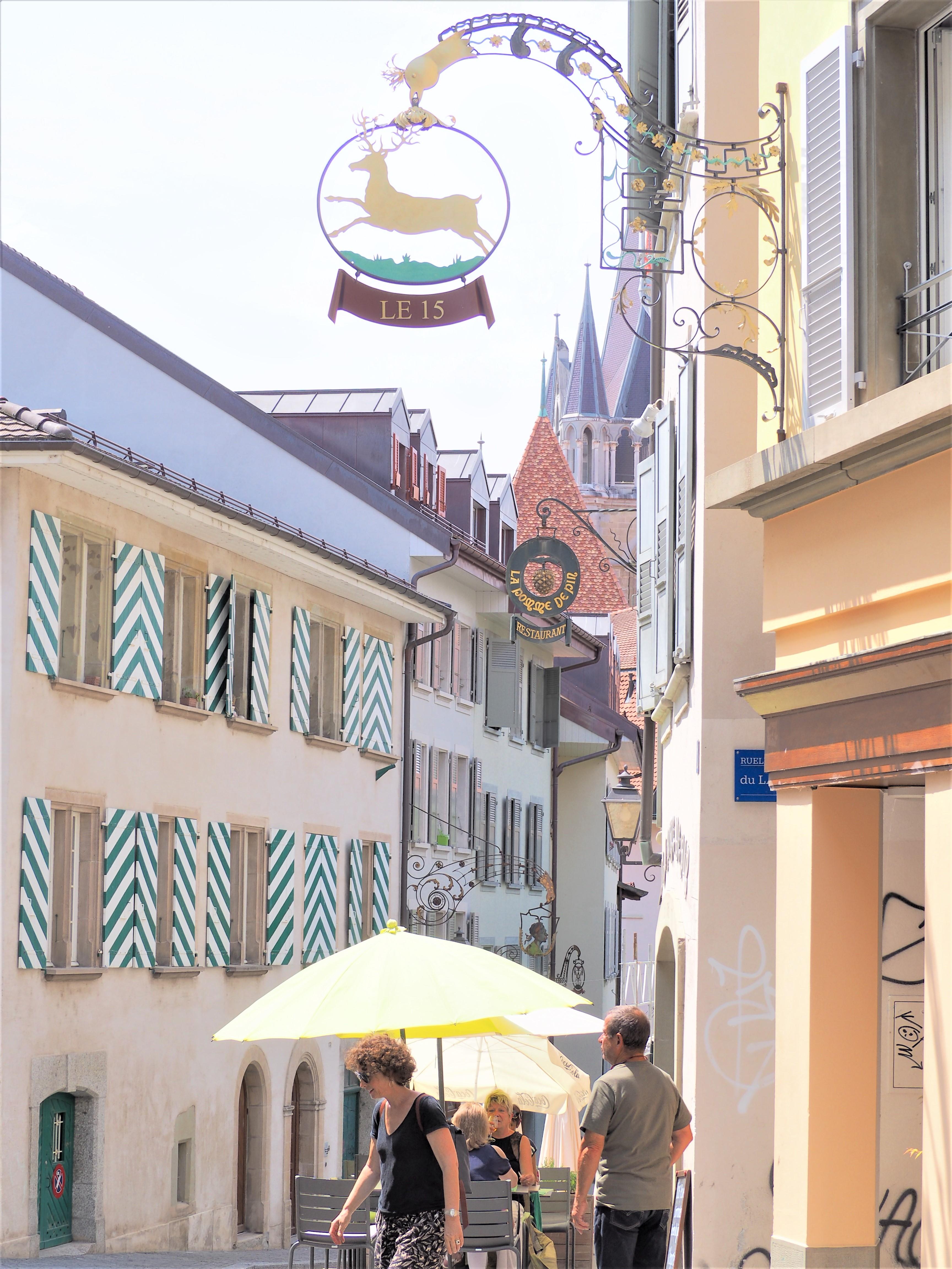 La Cité Lausanne Suisse clioandco blog voyage restaurant la pomme de pin