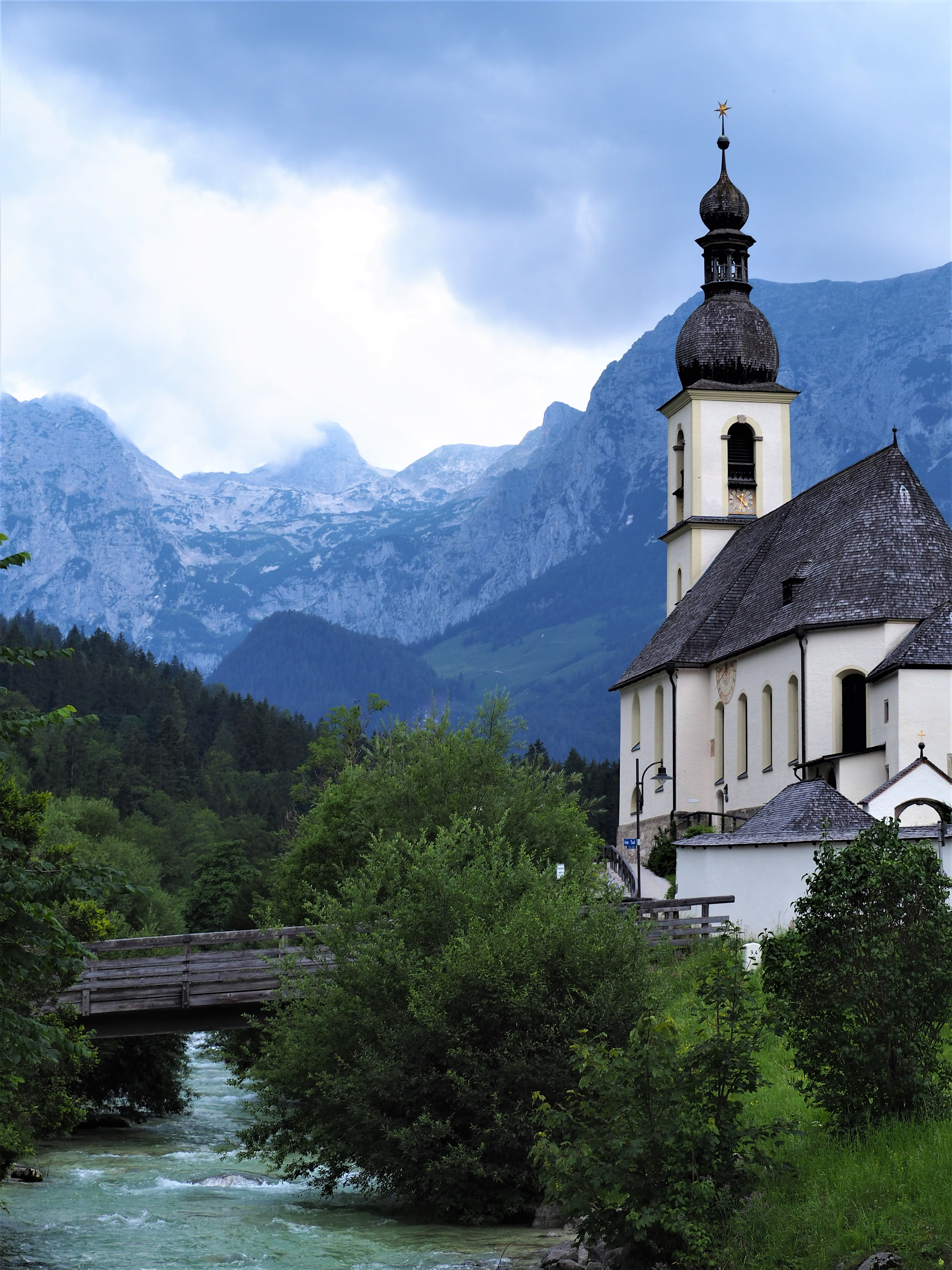 2.-Allemagne-Baviere-clioandco-blog-voyage-proche-lac-Hintersee-Eglise-de-Ramsau.jpg