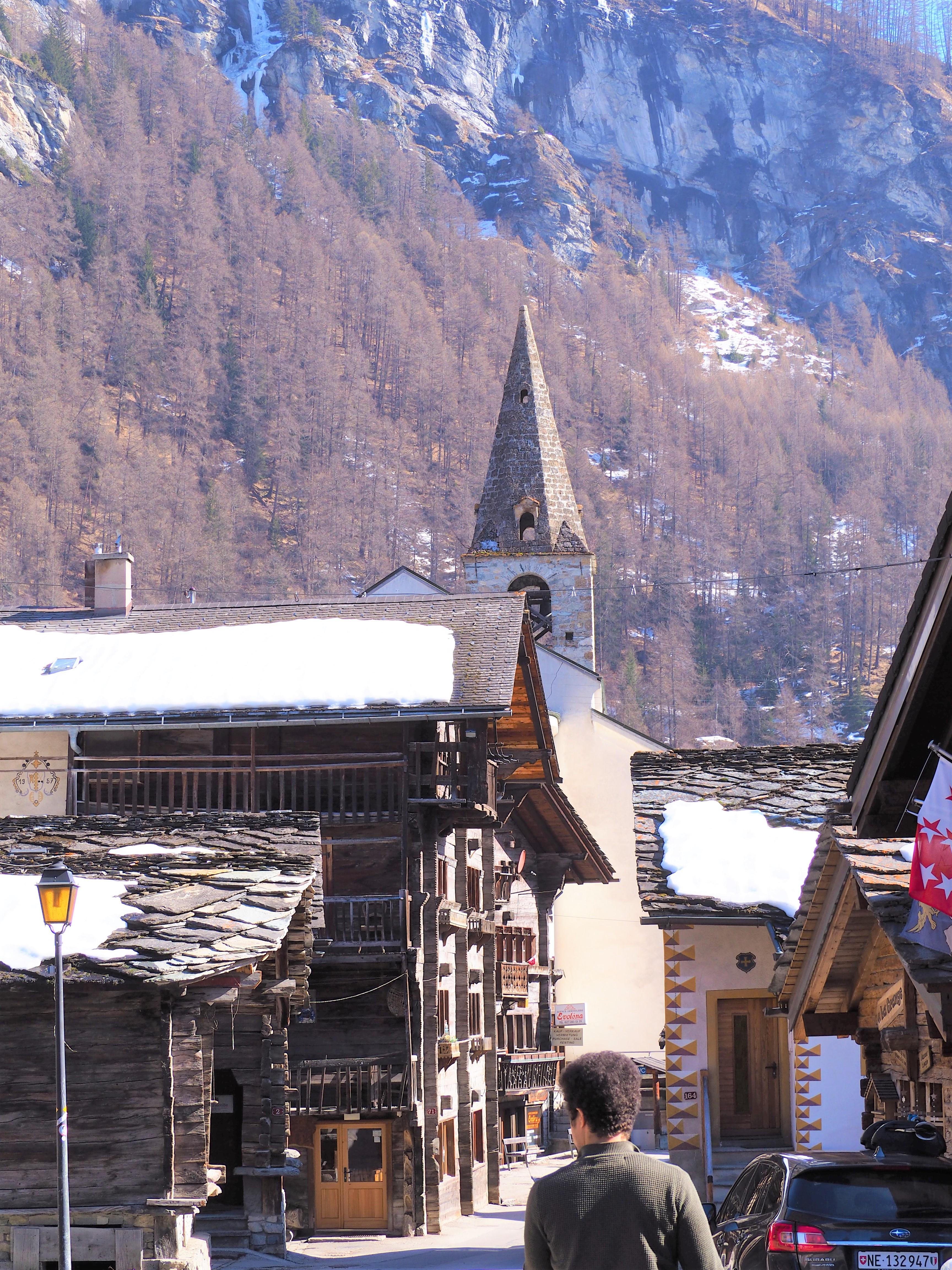 Eglise-dEvolene-en-Valais-Suisse