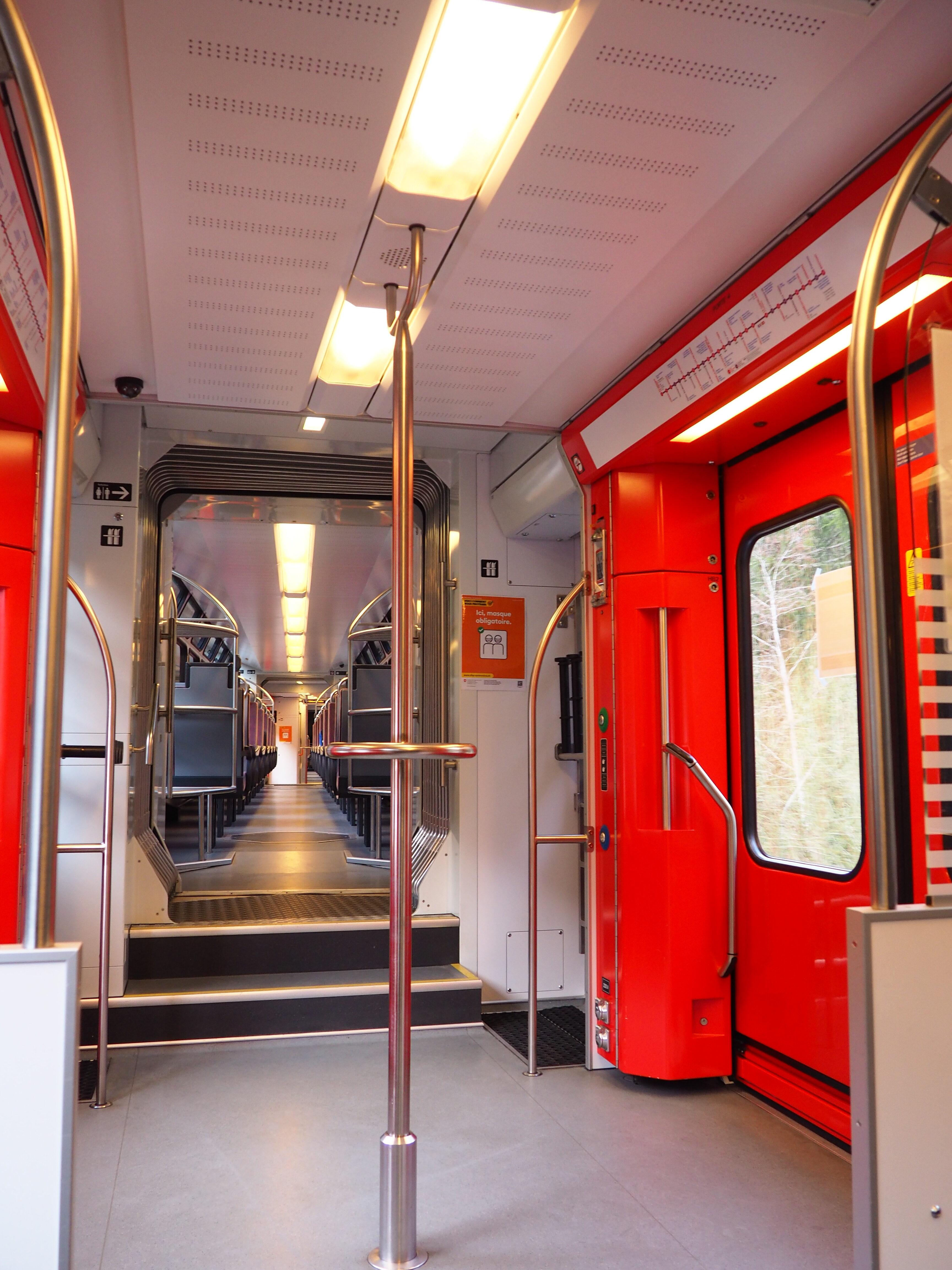Mont-Blanc-Express-Chamonix-France-Suisse train