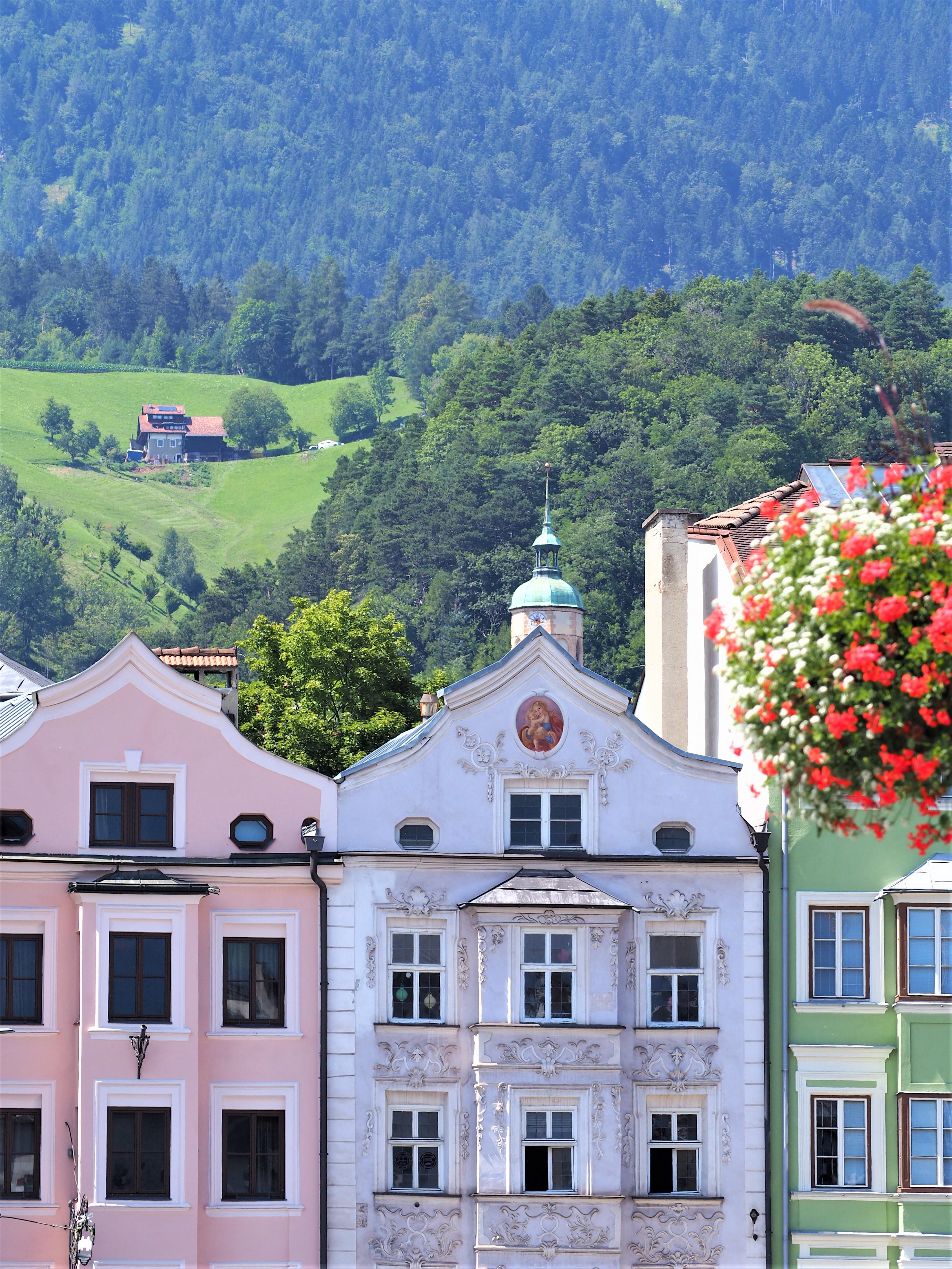 Innsbruck maisons colorées ruelles