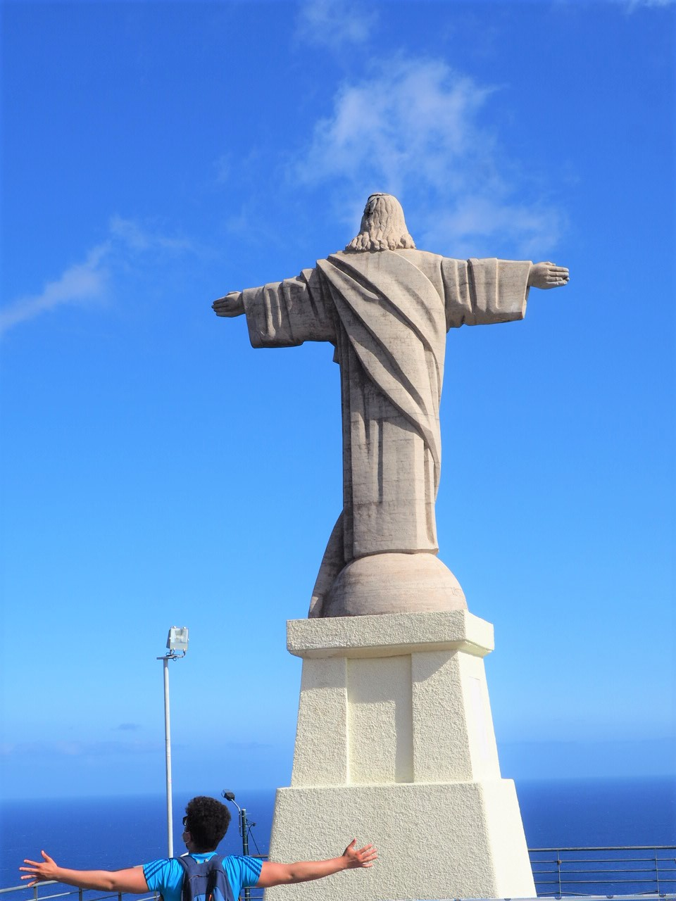 Christ-Roi-de-Garajau-Madere-portugal-blog-voyage-clioandco.